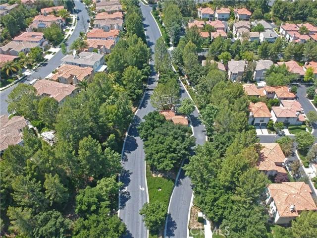 26900 Monterey Avenue, Valencia CA: http://media.crmls.org/mediascn/032ab52e-4c8c-4f26-bc78-337d46454b37.jpg