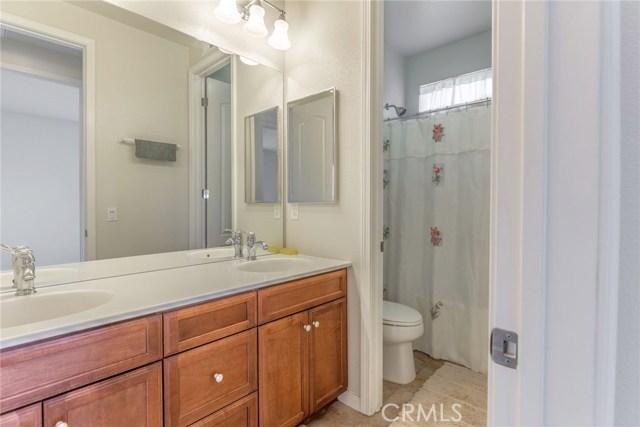 41630 Chardonnay Avenue, Lancaster CA: http://media.crmls.org/mediascn/032de301-f92a-4bcb-9d39-10dcd73adaec.jpg