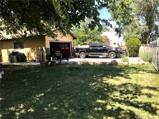 38017 13th E Street, Palmdale CA: http://media.crmls.org/mediascn/032e1029-ffc7-4dfa-86b5-f03f2d08983d.jpg