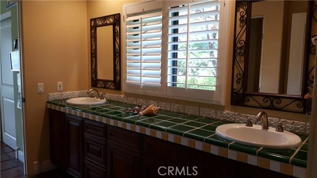 24655 Park Miramar, Calabasas CA: http://media.crmls.org/mediascn/03488ad1-2efa-4834-8cfd-81eff6d9aca9.jpg