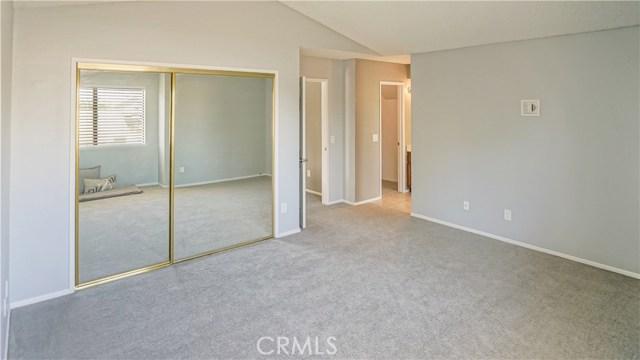 42502 52nd W Street, Quartz Hill CA: http://media.crmls.org/mediascn/036b33c4-2a48-4d15-b7a6-537bad4f2f84.jpg