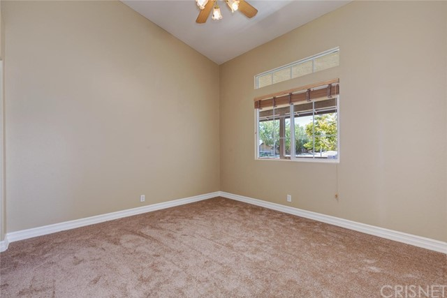 2801 Sunnyvale Road, Lancaster CA: http://media.crmls.org/mediascn/0379d0d1-0e0a-4527-b2b0-da52108bb3a1.jpg