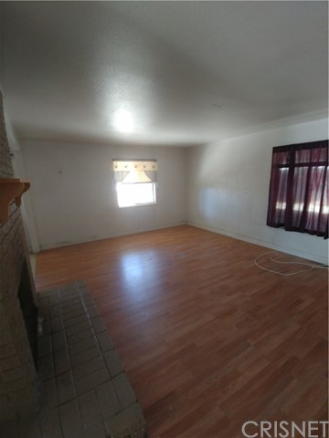44621 Stanridge Avenue, Lancaster CA: http://media.crmls.org/mediascn/038da34b-42de-4e16-870c-7bd47ad522d5.jpg