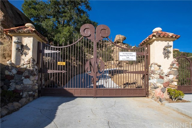 Single Family Home for Sale at 22001 Santa Susana Pass Road Chatsworth, California 91311 United States