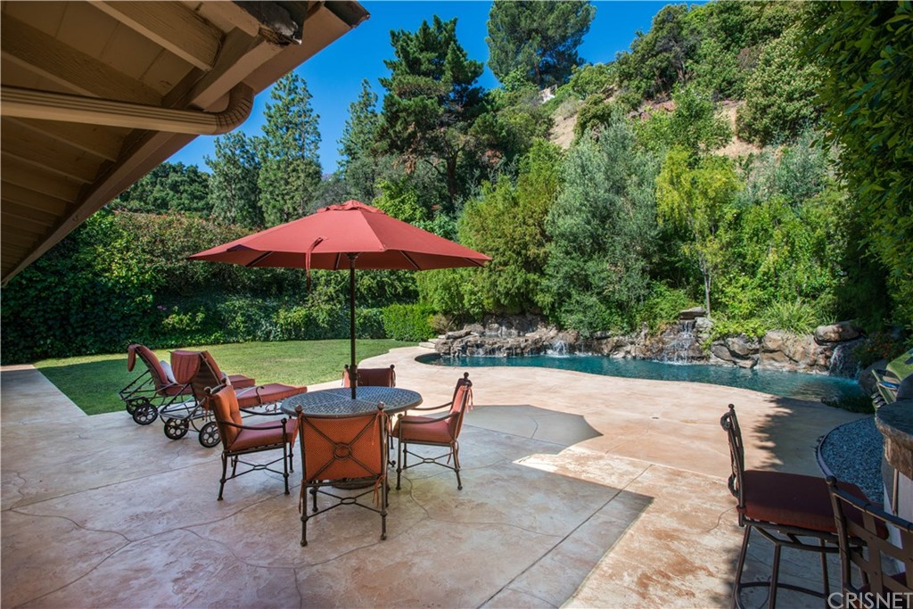16636 CALNEVA Drive, Encino, California 91436- Oren Mordkowitz