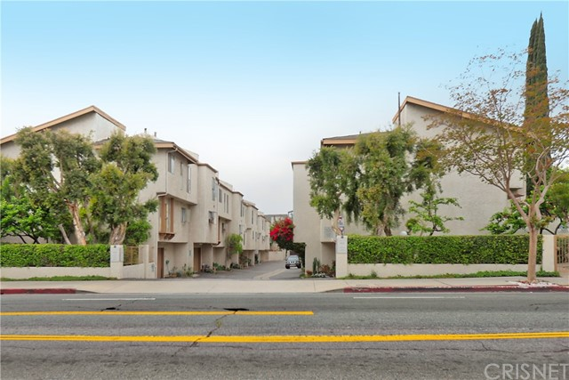 5337 Coldwater Canyon Avenue Unit B Sherman Oaks, CA 91401 - MLS #: SR18110459