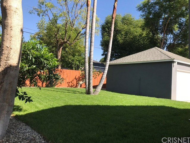 14601 La Maida Street, Sherman Oaks CA: http://media.crmls.org/mediascn/04bfe91b-384f-4420-b95a-8bbf51957602.jpg