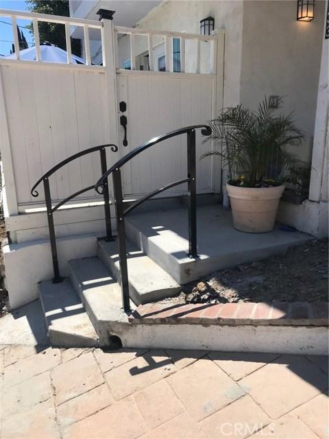 Photo of 5131 Medina Road, Woodland Hills, CA 91364