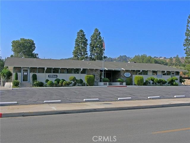 19301 Oak Crossing Road, Newhall CA: http://media.crmls.org/mediascn/04d7c10a-73cf-4a90-a090-102b0faeb684.jpg