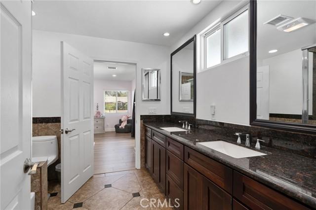 6140 Fenwood Avenue, Woodland Hills CA: http://media.crmls.org/mediascn/05079464-3a2d-487e-938b-24837ae62f23.jpg