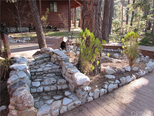 2117 Cypress Way, Pine Mtn Club CA: http://media.crmls.org/mediascn/0521bb9e-2338-4645-9513-54323a13cc74.jpg