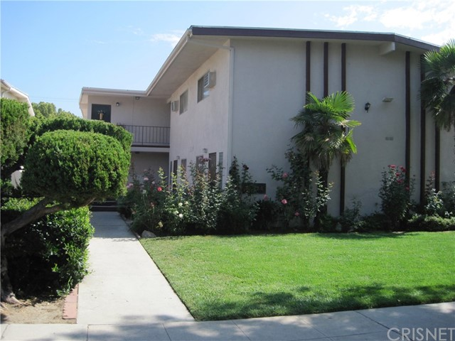 Additional photo for property listing at 124 Brighton Street Unit F 124 N Brighton Street Burbank, California 91506 United States