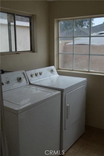 9779 Mercedes Avenue, Arleta CA: http://media.crmls.org/mediascn/05610481-fe00-48e0-98f8-1eb82b0edae8.jpg
