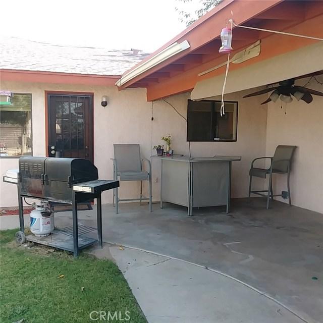 9749 Irene Avenue, California City CA: http://media.crmls.org/mediascn/057ebe6c-88a8-4b88-9f0f-992a1a289d82.jpg