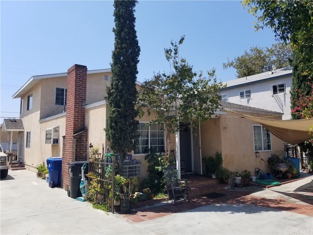 11134 OXNARD Street, North Hollywood, CA 91606