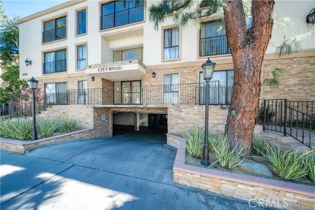 15344 Weddington Street, Sherman Oaks CA: http://media.crmls.org/mediascn/05826d1e-ba24-4dd4-98c8-302915e00e02.jpg