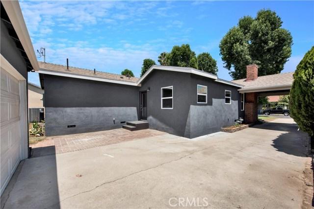 6633 Costello Avenue, Valley Glen CA: http://media.crmls.org/mediascn/05bc4715-8f85-4415-8cd9-1fd4e3b5032c.jpg