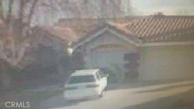 6039 Oro Court, Palmdale CA: http://media.crmls.org/mediascn/061f3b81-abdc-4d8c-a4d1-fcc62b83e49b.jpg