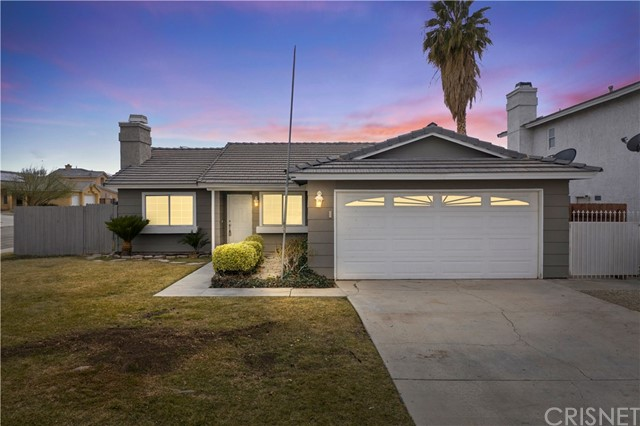Detail Gallery Image 1 of 1 For 2100 Forry St, Lancaster,  CA 93536 - 3 Beds | 2 Baths