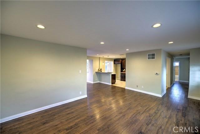 43743 Fern Avenue, Lancaster CA: http://media.crmls.org/mediascn/06786349-ea8a-4a23-84d4-5107f6032465.jpg