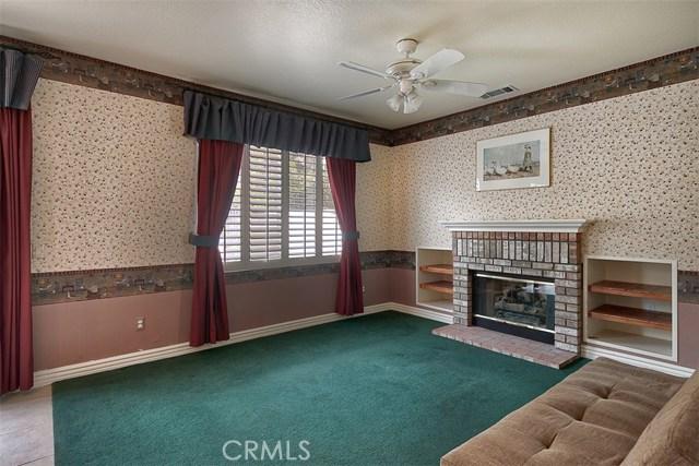 26061 Salinger Lane, Stevenson Ranch CA: http://media.crmls.org/mediascn/068f0277-1a09-4ad4-b6db-553b5b648725.jpg