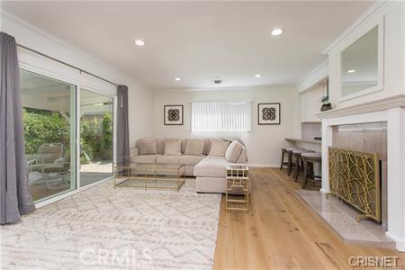 Photo of 22335 Kittridge Street, Woodland Hills, CA 91303
