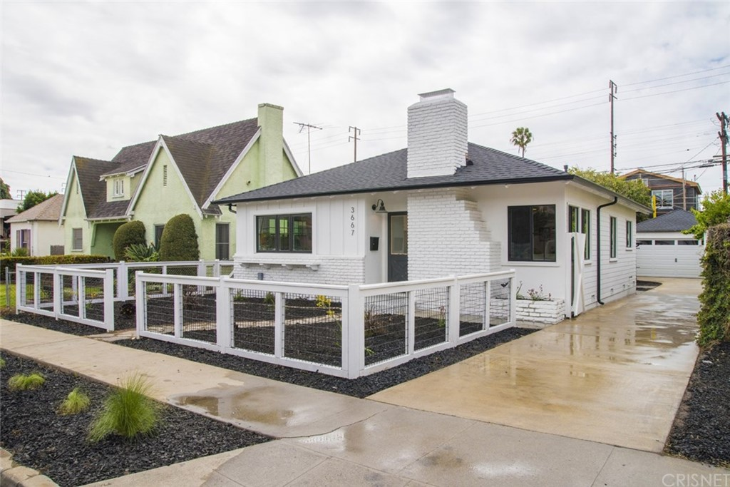 Property for sale at 3667 Greenfield Avenue, Los Angeles,  CA 90034