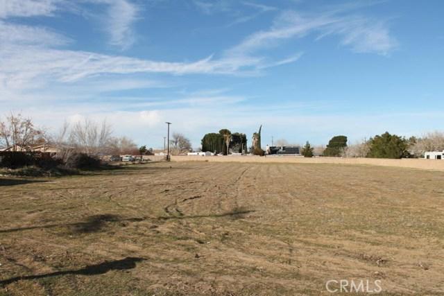 0 Avenue L10, Lancaster CA: http://media.crmls.org/mediascn/06c2eb31-8593-4740-bd02-e675aee6d8d8.jpg