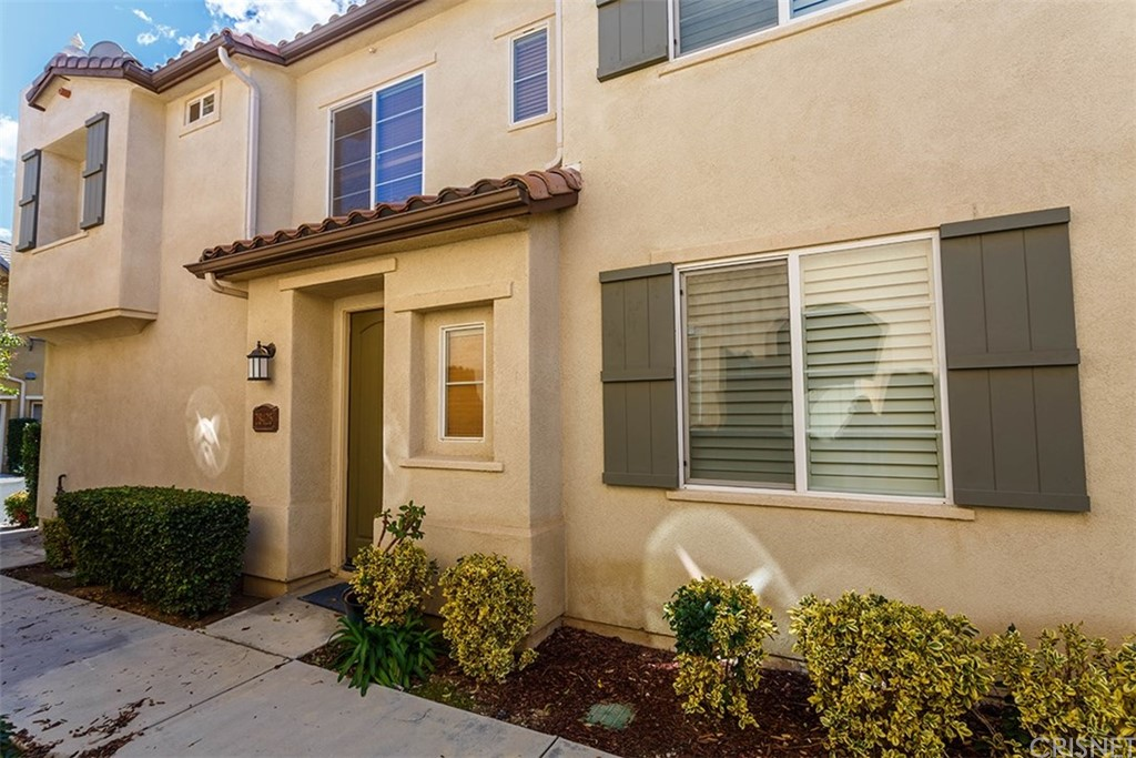 Property for sale at 28425 Casselman Lane #422, Saugus,  CA 91350