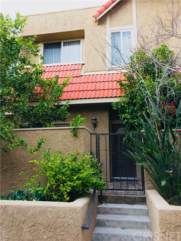 17912 River Circle Unit 4 Canyon Country, CA 91387 - MLS #: SR18067489