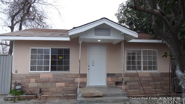Single Family Home for Rent at 11028 Inglewood Avenue S Lennox, California 90304 United States