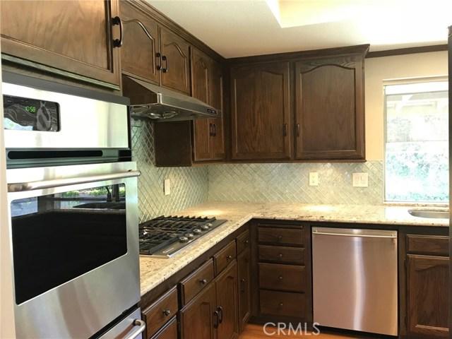 2778 Drummond Place, Thousand Oaks CA: http://media.crmls.org/mediascn/07812ecf-8af8-497c-9b04-37d81123a7c4.jpg