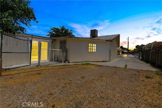3391 Haven Street, Rosamond CA: http://media.crmls.org/mediascn/07942198-119e-4917-a673-1dea5c2e6f48.jpg