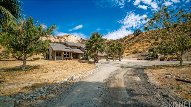 Single Family Home for Sale at 23102 Piute Court 23102 Piute Court Saugus, California 91390 United States