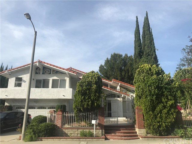 Photo of 21727 Planewood Drive, Woodland Hills, CA 91364