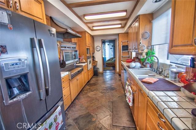 5752 Ranchito Avenue, Valley Glen CA: http://media.crmls.org/mediascn/0826f004-9ec5-411e-b05f-a23fa630018c.jpg