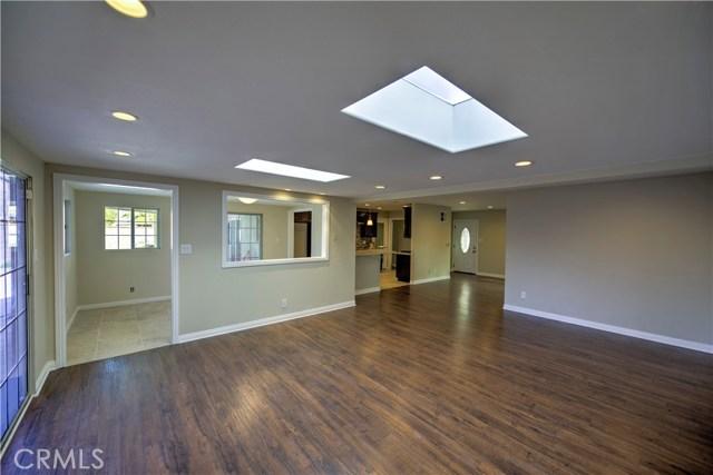 43743 Fern Avenue, Lancaster CA: http://media.crmls.org/mediascn/082e5c90-2a30-4e01-b0c7-80938b307f95.jpg