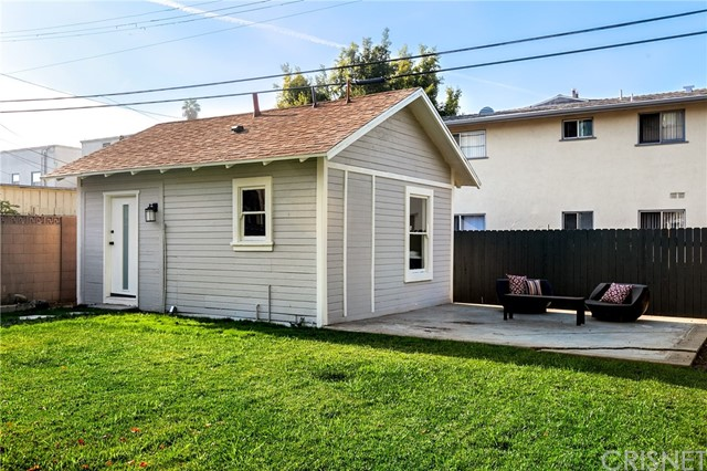 1271 3rd Avenue Los Angeles, CA 90019 - MLS #: SR18008922