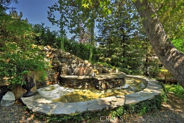 15531 Del Gado Drive, Sherman Oaks CA: http://media.crmls.org/mediascn/08a20cbb-dea2-4a0b-9360-c2ac5ecbace5.jpg