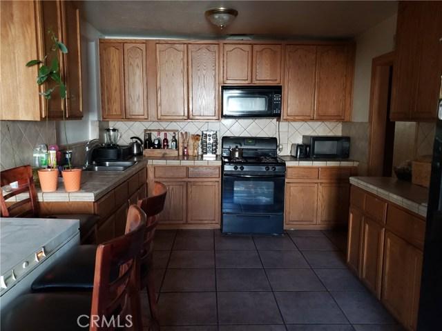 12479 Bradley Avenue, Sylmar CA: http://media.crmls.org/mediascn/08a8613e-a235-4d11-8acb-2c7a4e2f642b.jpg
