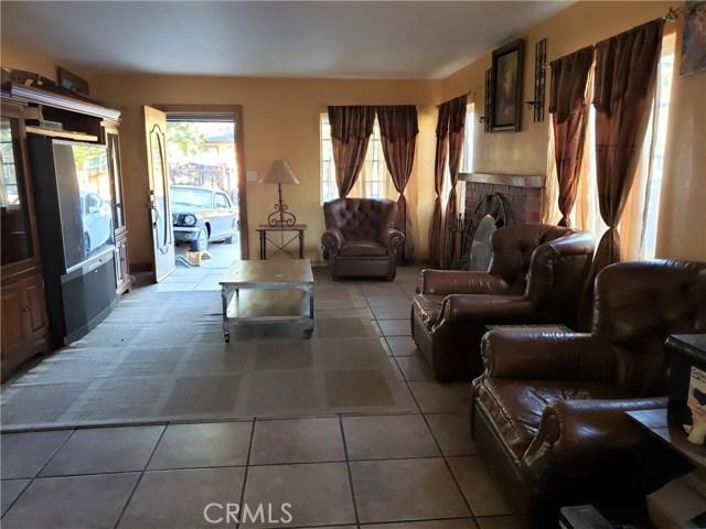 12479 Bradley Avenue, Sylmar CA: http://media.crmls.org/mediascn/08b03a7e-fa14-40ca-b95b-433fb6ffc9a1.jpg