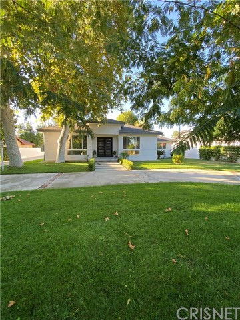 Photo of 22904 Calvert Street, Woodland Hills, CA 91367