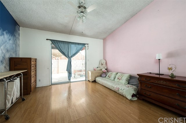 6840 Van Noord Avenue, North Hollywood CA: http://media.crmls.org/mediascn/08e361d7-c008-4294-b915-6c3e68a0d045.jpg