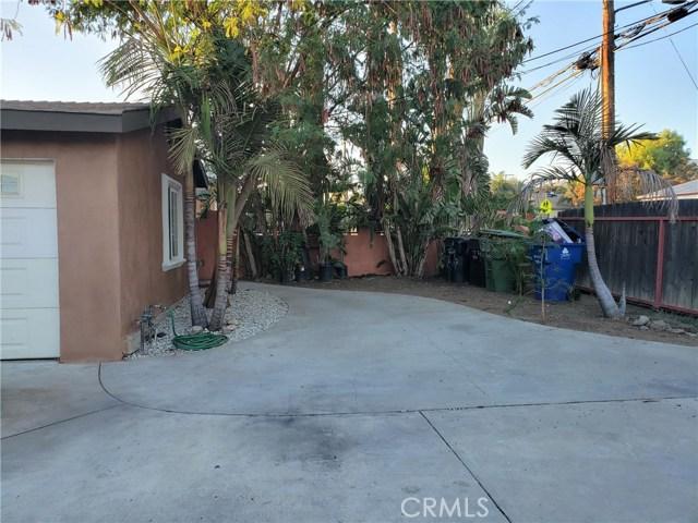 12479 Bradley Avenue, Sylmar CA: http://media.crmls.org/mediascn/08f38bec-3e65-4940-9d7e-6baab10aeed7.jpg