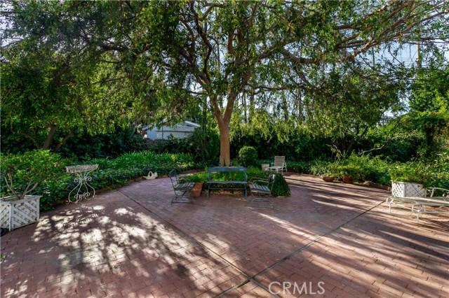 5201 Collier Place, Woodland Hills CA: http://media.crmls.org/mediascn/0919819b-13f4-4f89-aa3d-d08e08b85738.jpg