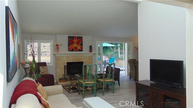 23704 Sandalwood Street, West Hills CA: http://media.crmls.org/mediascn/093dafc4-d18b-4530-8ee8-f0beb3e1d35b.jpg