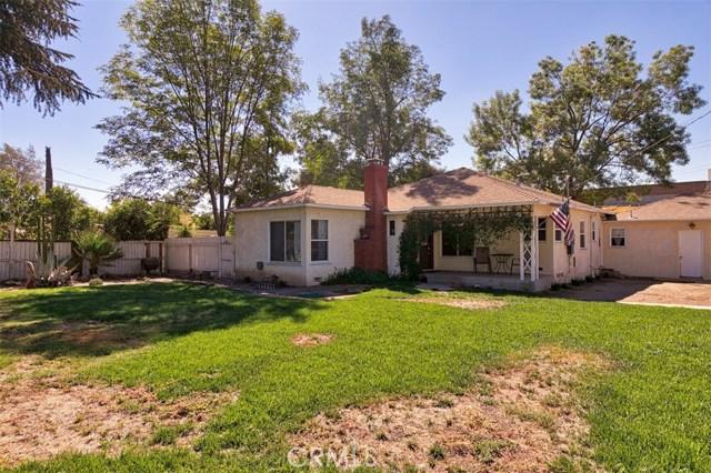 10850 Foothill Boulevard, Lakeview Terrace CA: http://media.crmls.org/mediascn/094679df-f6c1-4f22-a1a1-ede4ec47addb.jpg