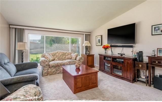 13225 Whistler Avenue, Granada Hills CA: http://media.crmls.org/mediascn/09727041-b0fc-4c46-83ce-a3de78d10b3e.jpg