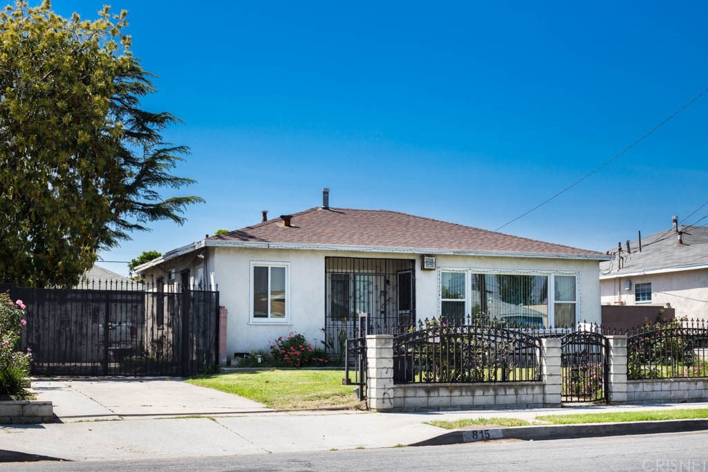 815 N ACACIA Avenue, Compton, CA 90220