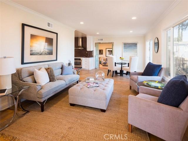15045 Sherview Place, Sherman Oaks CA: http://media.crmls.org/mediascn/09d8a868-9072-4589-9fc4-49694b828538.jpg